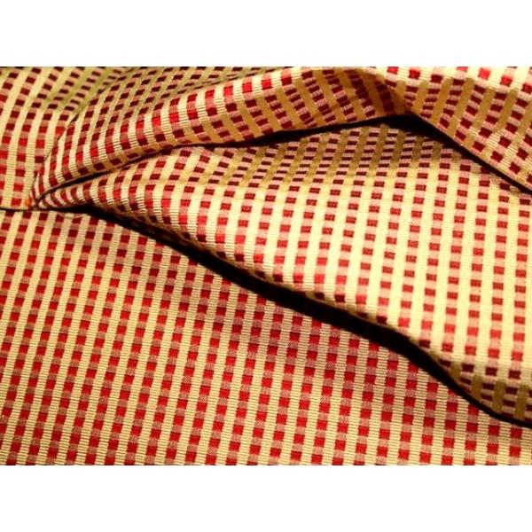 tissu ameublement petit damier rouge or a0064 tissus. Black Bedroom Furniture Sets. Home Design Ideas